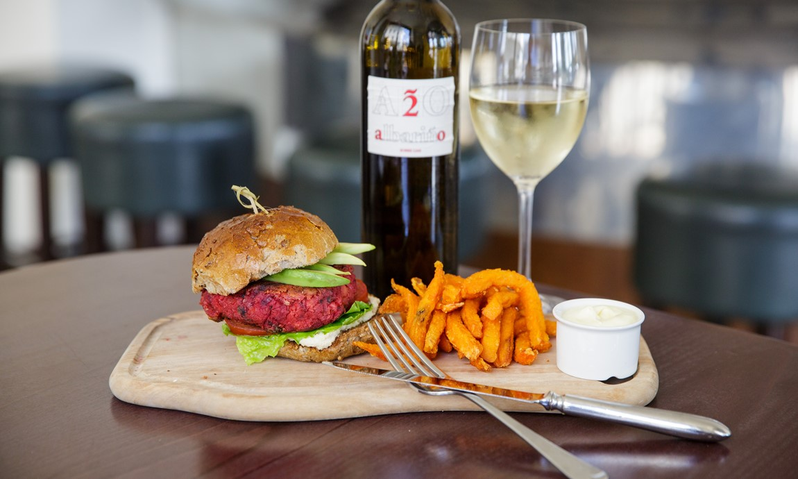 Cafe Bar - Burger & Sweet Potato Fries